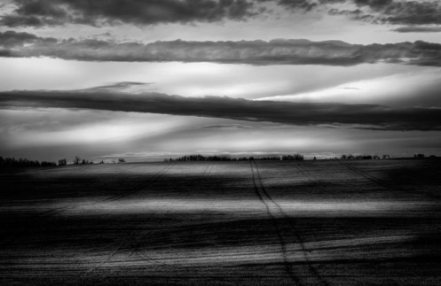 Dan Jurak, landscape, fine art, fineart, minimalist, black and white, Alberta, prairie, rural, clouds, dark sky,