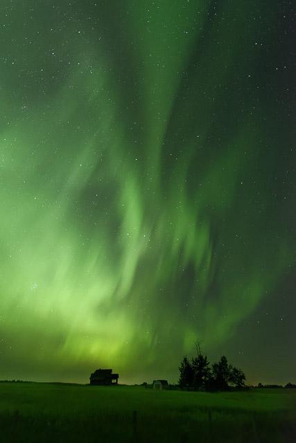 Henrys Camera, Dan Jurak, landscape, aurora borealis, northern lights, camera gear, price matching, night time,