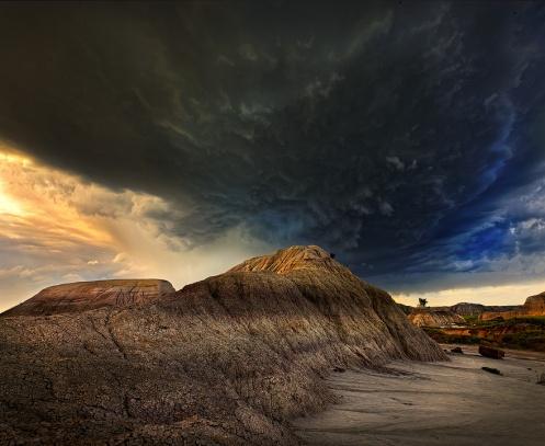 badlands, storm, alberta, explorealberta, tornado, dinosaurs, prairie, Dan Jurak, travel alberta,