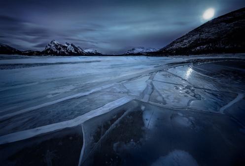 abraham lake, nordegg, david thomson country, Alberta, landscape, ice, lake, instagram, popularity, winter, frozen, Dan Jurak,